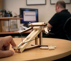 Mini balliste en bois en kit pour tuer le temps au bureau
