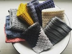 9 forskellige hæklede klude Crochet Art, Crochet Home, Love Crochet, Crochet Dishcloths, Crochet Stitches, Crochet Patterns, Cotton Pads, Drops Design, Arm Warmers
