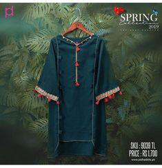 Fancy Dress Design, Stylish Dress Designs, Designs For Dresses, Stylish Dresses For Girls, Simple Dresses, Casual Dresses, Simple Pakistani Dresses, Pakistani Dress Design, Frock Fashion
