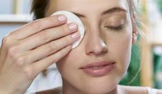 Simple How to pick the best micellar water for you girl wiping eye wit Moisturizer For Sensitive Skin, Best Moisturizer, Best Face Wipes, Party Eyes, Skin Care Routine Steps, Micellar Water, Best Face Products, Hollywood Curls, Drink