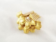 Bridal Hair Comb, Gold Hair Comb, Boho Wedding, Pearl Bridal Comb, Flower Hair Comb, Boho Hair Comb, Bridal Hair Piece, Vintage Style Comb http://etsy.me/2nHSbku #pearlbridalcomb #flowerhaircomb #bohohaircomb #bridalhairpiece