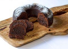 Κέικ σοκολάτας από τον Άκη Πετρετζίκη | GlikesSintages.gr
