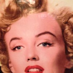 marilyn monroe the pretties lady in the penny arcade