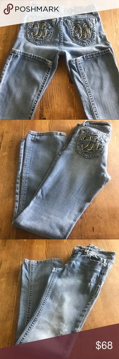 """Miss Me Jeans! Miss Me Jeans 27"""" inch waist, 32"""" inseam 8"""" rise! Factory distressed as seen in pictures. All rivets intact. Minimal wear to bottoms. Great condition! Smoke free, pet friendly🐶😻 home. Miss Me Jeans Boot Cut"""