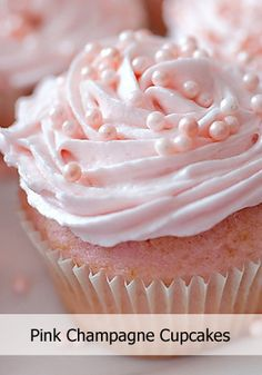 Pink Champagne Cupcakes w/ pink Champagne frosting! Pink Champagne Cupcakes w/ pink Champagne frosting! Just Desserts, Delicious Desserts, Dessert Recipes, Yummy Food, Pink Desserts Easy, Pink Champagne Cupcakes, Pink Cupcakes, Champaign Cake, Pearl Cupcakes