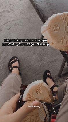 Quotes Rindu, Quotes Lucu, Cinta Quotes, Snap Quotes, Quotes Galau, Dark Quotes, Tumblr Quotes, Text Quotes, Mood Quotes