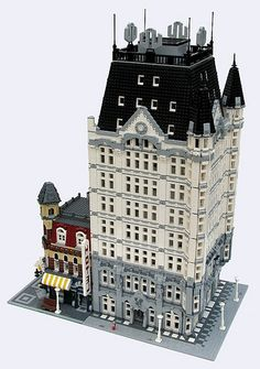 ~ Lego MOCs City ~ Witte huis and Cafe Corner | by buildingmaster1966