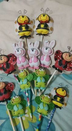 Pelanas Hobbies And Crafts, Diy And Crafts, Crafts For Kids, Pencil Toppers, Cute Clay, Clay Ornaments, Ideas Para Fiestas, Foam Crafts, Felt Art
