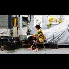 .@ssssseye | #골목 #후통 #북경 #중국 #alley #hutong #beijing #china #노랑 #yellow 멋쟁이아... | Webstagram