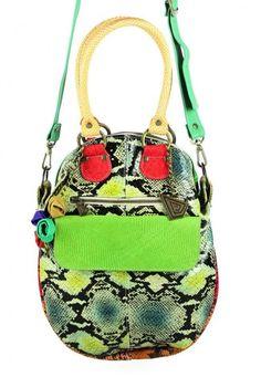 #Cartera ANGELINA Impactante y colorida.Para usar al hombro o como bandolera   #CarolinaDeCunto http://www.carolinadecunto.com/bolsa-piel-animal-print-colores/