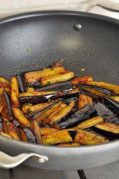 Баклажаны в остром чесночном соусе, по-китайски. - Вкусная пауза