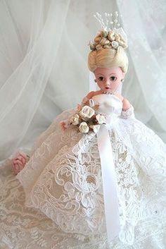 A Vintage bride doll