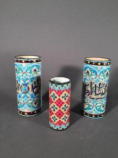 JULES VIEILLARD A BORDEAUX, paire de petits vases rouleau en faïence