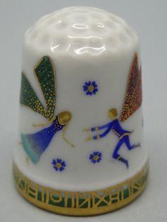 Rusia, porcelana pintada a mano, Asociacion Etude: Galina Gorbaneva. Thimble-Dedal-Fingerhut.