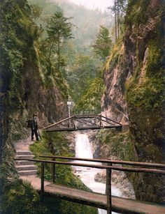 Hiking in Berchtesgaden, Germany Bavaria Germany, Public Domain, Old Pictures, Garden Bridge, Hiking, Europe, Outdoor Structures, Image, June