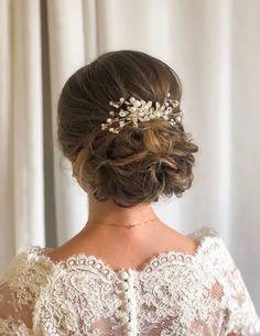 #bridalhair #bridalhairupdo #bridalhairstyle #hairupdo #weddinghair #bryllupshår #brudeoppsetning #oppsetning #brud #brudestyling #bride #bridalstyling #hairstyling #hairupdolonghair Bridal Hair Updo, Updos, Henna, Wedding Hairstyles, Long Hair Styles, Bride, Makeup, Fashion, Up Dos