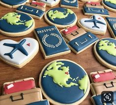 The perfect cookies for the travel & dessert lover in your life! Fancy Cookies, Iced Cookies, Cute Cookies, Sugar Cookies, Travel Cake, Travel Party, Cookie Frosting, Royal Icing Cookies, Airplane Cookies