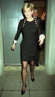 diana princess of wales fashion Princess Diana Photos, Princess Diana Fashion, Princess Diana Family, Royal Princess, Princesa Diana, Prinz Harry, Lady Diana Spencer, Royal Fashion, Queen