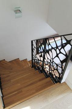île LANNIC acier : escalier moderne avec un limon crémaillère métallique par #POTIER