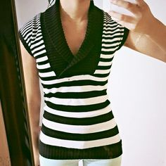 Host Pick!!!  Sweater Striped Black and White Top Perfect condition. Feel free to make an offer Sweaters V-Necks
