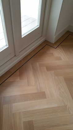 home decor art Flooring For Stairs, Timber Flooring, Parquet Flooring, Floor Design, House Design, Walnut Wood Floors, Bungalow Renovation, Interior Stairs, Cuisines Design