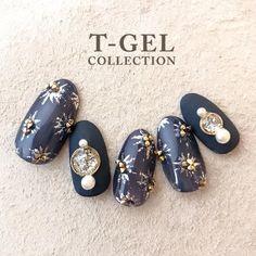 未提供相片說明。 in 2020 Dark Color Nails, Blue Nails, Blue Nail Designs, Different Nail Designs, Japan Nail Art, Korean Nails, Broken Nails, Gel Nails At Home, Japanese Nails