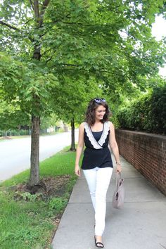 "How 2 Wear It - The everyday woman's go-to fashion blog giving her tips on ""How 2 Wear It"" for any of life's occasions!"