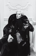 HELMUT NEWTON Andy Warhol, Paris. Phillips. EST: 3 320 GBP. Barnebys.co.uk