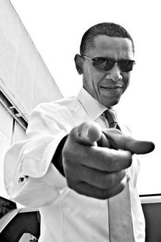 """Isn't it perfect that we have a portrait of Barack Obama in the """"I want you for U.S army"""" position? Although the smile in his face shows something more easy-going, more obama, more fun, more barack. Michelle Obama, Barack Obama, Malia Obama, First Black President, Mr President, Black Is Beautiful, Beautiful People, Photos Vintage, Presidente Obama"""