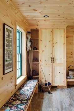 Now this is a mudroom! Woodmeister Master Builders worked with interior designer Marcia Summers to create the super-functional space for a lakeshore home in New Hampshire. The active homeowners wa… Knotty Pine Decor, Knotty Pine Walls, House Of Turquoise, Wood Interiors, Cottage Interiors, Cabin Interior Design, House Design, Tyni House, Farmhouse Interior