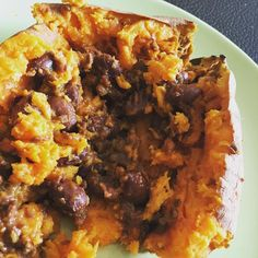 This super simple lunch is hitting the spot - a sweet potato topped with #vegetarian chili. #whatsforlunch #healthyeating #healthyfood #meatless