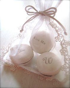 wedding parties, party favors, gift, wedding favors, weddings, white, wedding favours, bags, macaroons