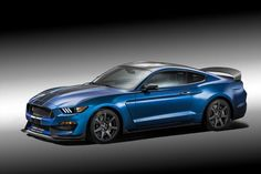 Ford unveils their 2015 Shelby Mustang at 2015 Detroit Auto Show. The 2015 Shelby Mustang is a limited-edition performance model. Ford Mustang Shelby Gt, Ford Mustangs, Neuer Ford Mustang, 2015 Mustang, Mustang Gt500, Blue Mustang, Ford Gt, Car Ford, Autos Ford