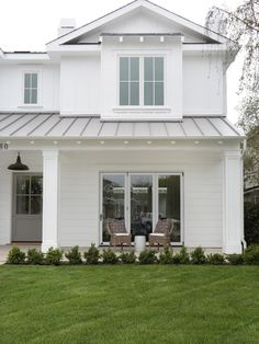 Modern Farmhouse Outdoor Design