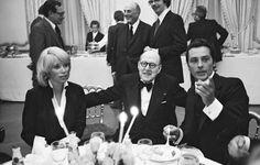 Mireille Darc et Alain Delon ARCHIVES - MIREILLE DARC , MARCEL DASSAULT ET ALAIN DELON LORS D' UNE SOIREE POUR LA SORTIE DU FILM