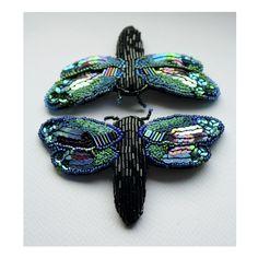 Ooliku. Broszki ważki, w całości ręcznie haftowane i wyszywane koralikami.  #polandhandmade #brooch #handmade #dragonfly