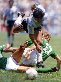 Ni con dos lo podían detener...Arg. 3 - Alemania 2, final México '86.