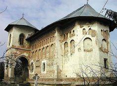 Manastirea Balinesti, Romania Romania, Notre Dame, Louvre, Mansions, House Styles, Building, Travel, Viajes, Manor Houses