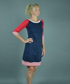 Raglánové+šaty+Modro-+červené+šaty.+Materiál-+elastická+nečesaná+teplákovina,+složení+95%+bavlna,+5%+elastan.+Velikost+M.+Šířka+přes+hrudník+42+cm,+délka+95+cm.