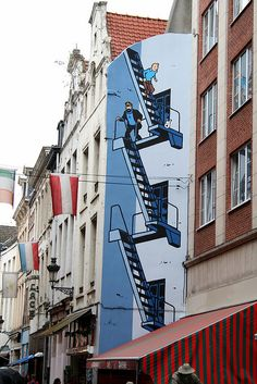 Graffiti Tintin & Captain Haddock (in Brussels) The Heights, Houston banksy Nikola Tesla. 3d Street Art, Murals Street Art, Amazing Street Art, Street Art Graffiti, Street Artists, Banksy, Graffiti Artwork, Art Mural, Captain Haddock