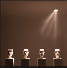 Iluminação assimétrica proporciona iluminar objetos em fachos diferentes. Iluminar, Adhara
