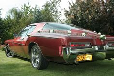 Boattail Buick Riviera GS 1972 for wedding