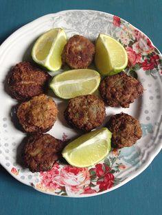 Boulettes de viande et poireaux (turques-israéliennes) Ces boulettes sont servies surtout à Pessah car les poireaux font partie des 7 aliments dont les israélites eurent la nostalgie lors de l'exode.Les ménagères séfarades y ajoutent des légumes pour allonger la viande . L'originalité de cette rec