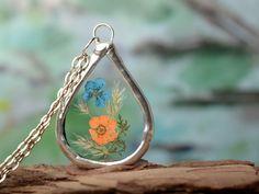 Modern terrarium necklace, botanical jewelry, flower girl necklace, nature flowers pendant, glass and plant jewelry Gardening gift by DolgovaSvetlana on Etsy https://www.etsy.com/listing/561608893/modern-terrarium-necklace-botanical