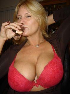 http://sexyhornymom.blogspot.com/2013/05/what-milf.html
