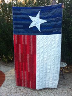 texas flag quilt by pearl Texas Quilt, Flag Quilt, Patriotic Quilts, Quilt Blocks, Shes Like Texas, Texas Crafts, Texas Flags, Quilt Of Valor, Lone Star State