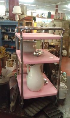 Vintage Pink Kitchen Cart - I remember these rollabout kitchen carts.think they were made by Cosco. So handy! Kitchen Retro, Kitchen Layout, Vintage Kitchen, Kitchen Carts, Pastel Kitchen, Kitchen Stuff, Vintage Pink, Vintage Decor, Vintage Pyrex