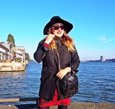 Blogger Iraida wearing Cara Coat Brownie Dip