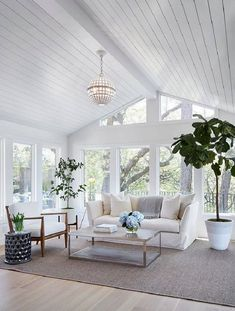 Newlywed Home Design Ideas Shiplap ceiling. Living room with shiplap ceiling. Living room with wood paneled ceiling and floor- Shabby Chic Living Room, My Living Room, Home And Living, Living Room Decor, Living Spaces, Modern Living, Living Area, Simple Living, Living Room With Windows