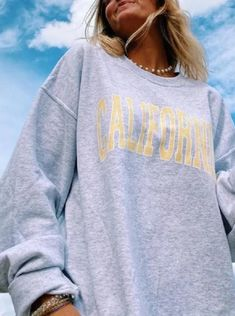 Cute Sweatshirts, Printed Sweatshirts, Hoodies, Sweatshirt Outfit, Graphic Sweatshirt, California Sweater, Vintage Outfits, Vintage Clothing, Casual